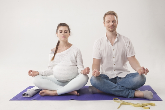 マタニティヨガで妊婦の運動不足を試みる→夫婦で行って正解だった件